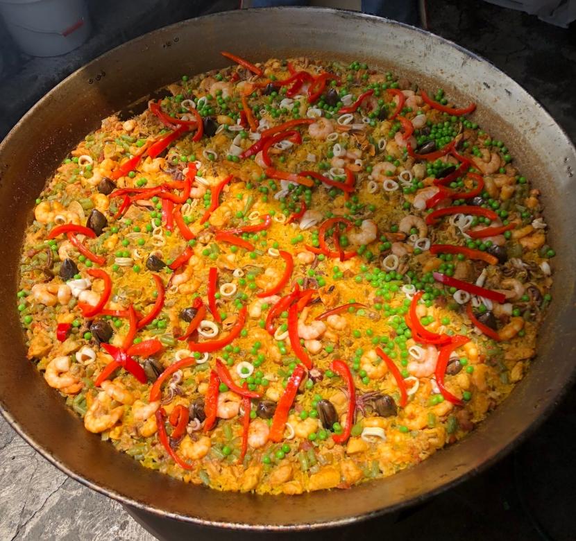 Paella Valenciana de El Anzuelo.jpg