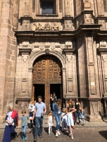 Saliendo de la Catedral