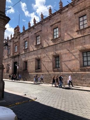 Fachada principal del Palacio Clavijero