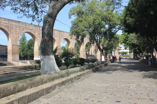 El acueducto de Morelia como remate de la Calzada Fray Antonio de San Miguel